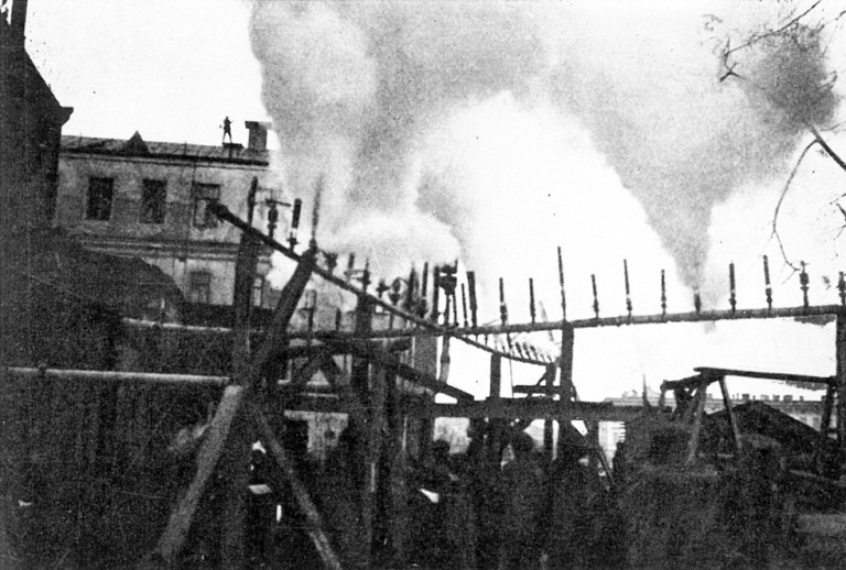 07_Symphony_of_Sirens_Moscow_1923